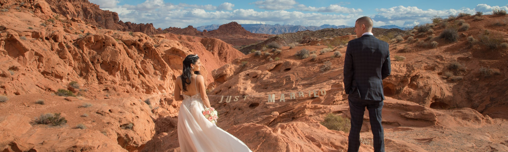 vegas newlyweds just married at red rock canyon